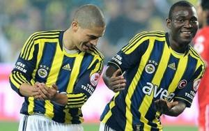 Alex comemora gol contra o Samsunspor