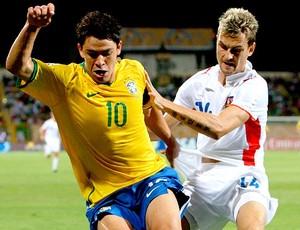 Giuliano com a camisa da seleção