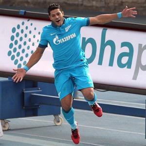Hulk marca dois contra CSKA