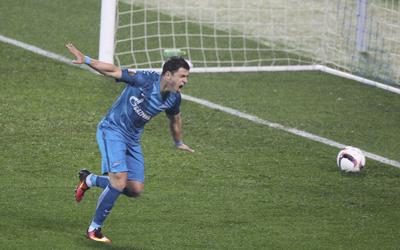 giuliano-marca-gol-contra-o-az