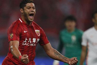 Hulk marca gol contra o Shandong