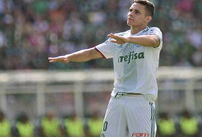 Raphael Veiga comemora seu primeiro gol pelo Palmeiras
