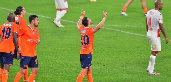 Giuiano marca seu primeiro gol pelo Basaksehir