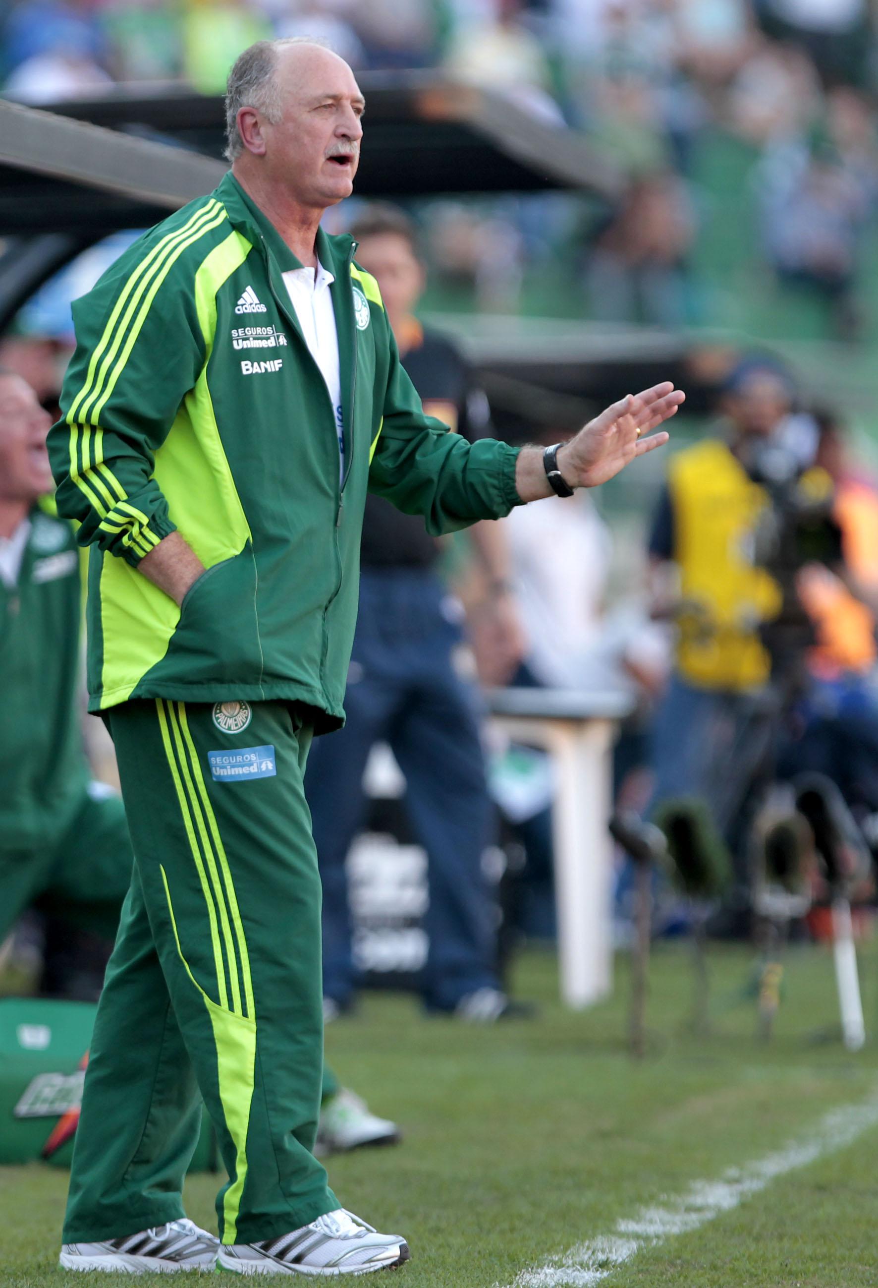 Felipão pede calma para a equipe